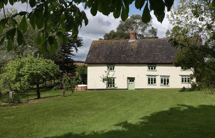 An image of 'Cherry Tree Farmhouse'
